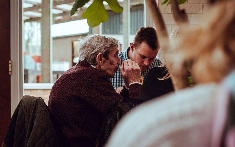 Rozmowa ze starszą osobą