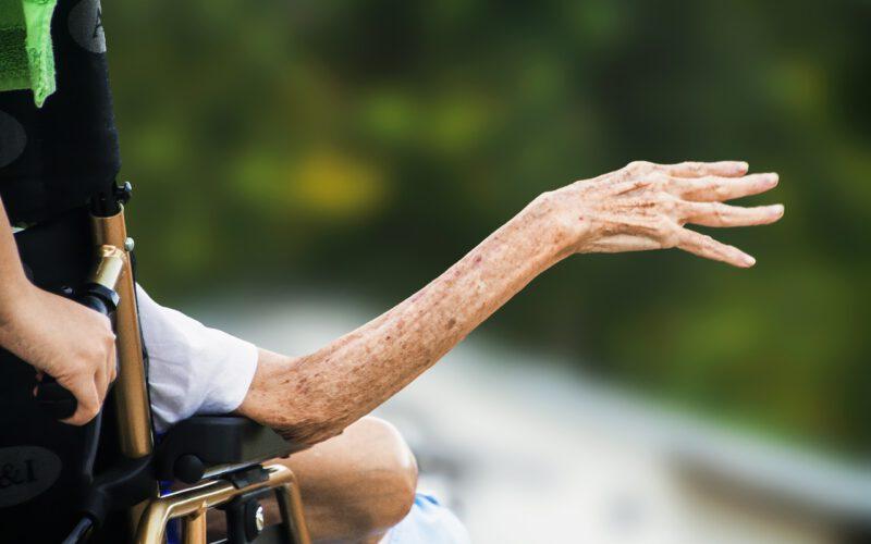 Zasiłek opiekuńczy na osobę starszą